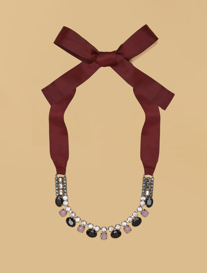 Metal necklace with gems