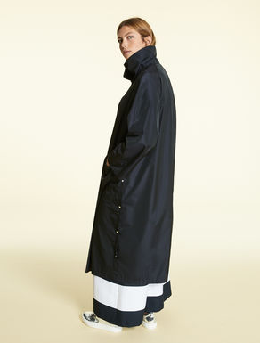 Long taffeta raincoat