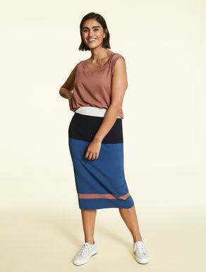 Skirt in block colour knit