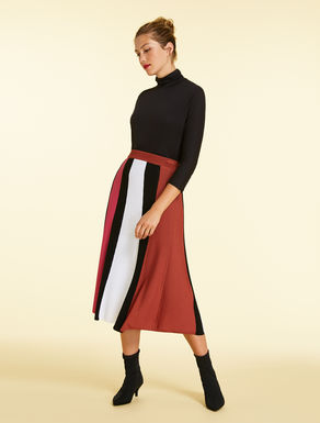 Opaque viscose skirt