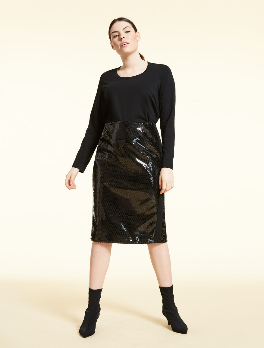 Sequinned skirt
