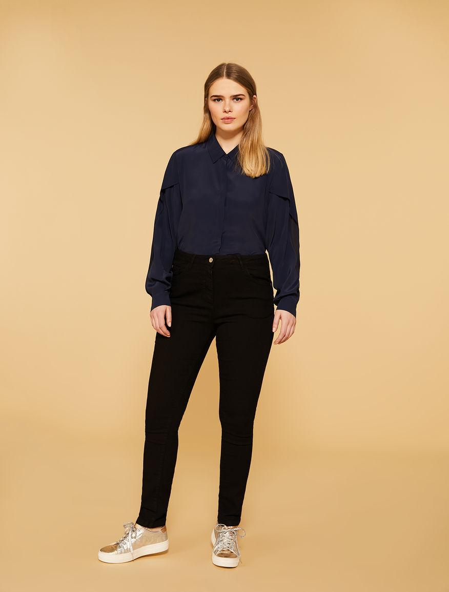 Lightweight denim, shaping fit jeans