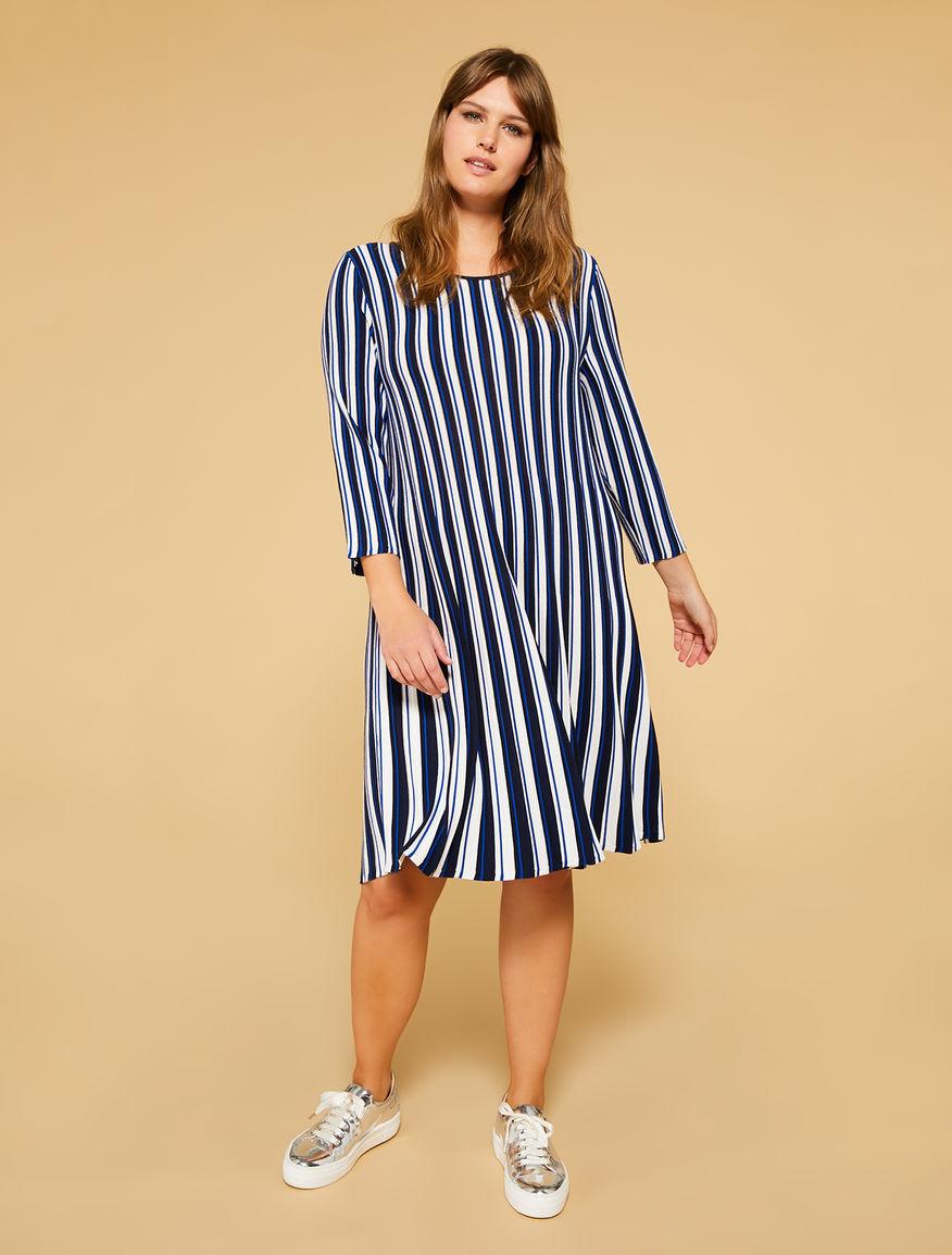 Kleid aus Viskose mit Stretchanteil