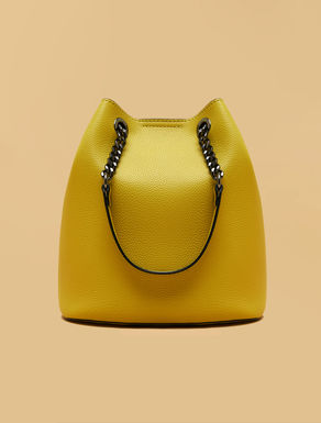 Bucket bag with charm