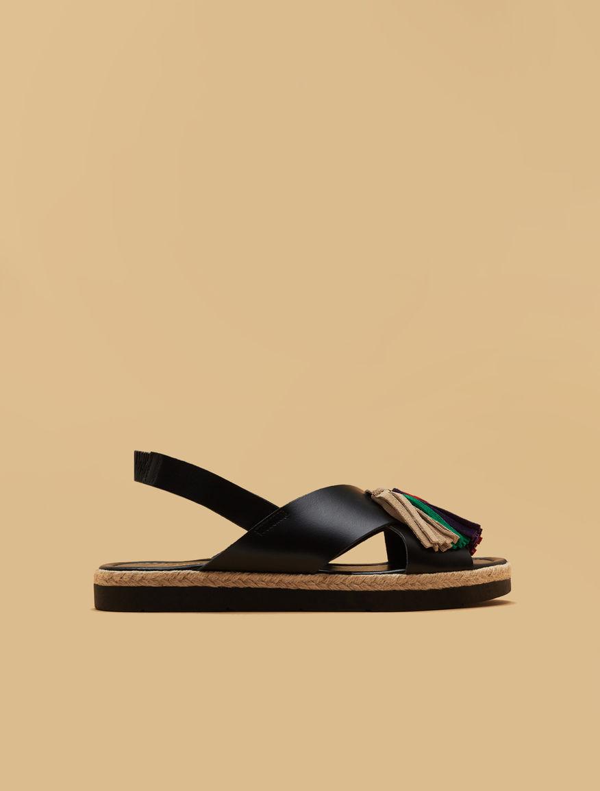 Sandales en cuir avec glands