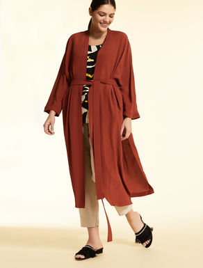 Long crepe de Chine coat