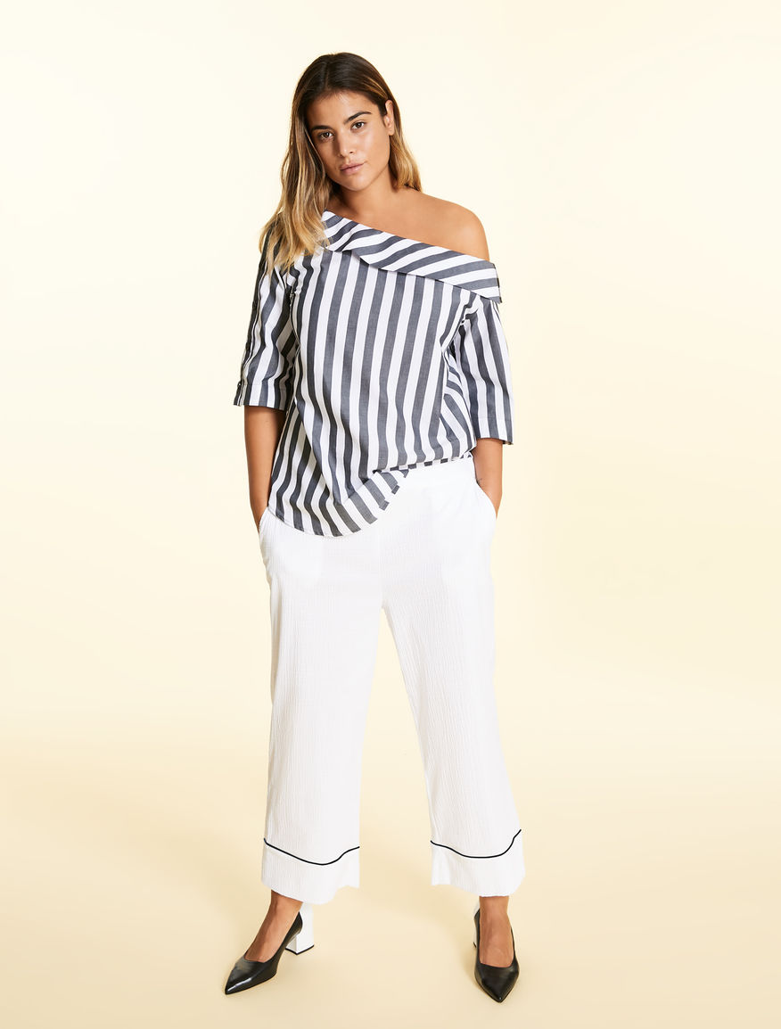 Cropped trousers in seersucker cotton