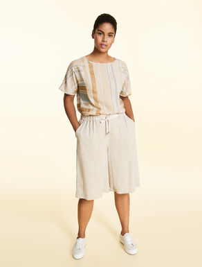 Short linen trousers
