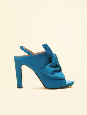 Sandale aus Satin
