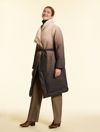 Down jacket in gradient nylon