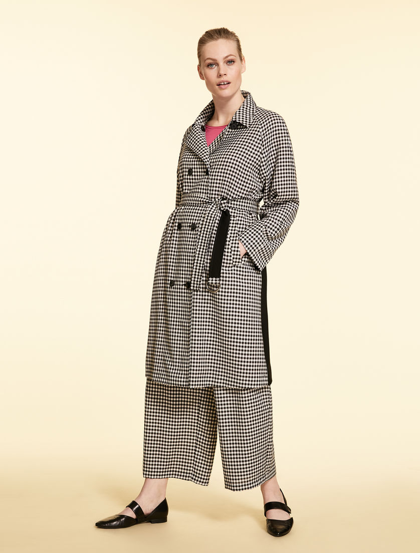 Coat in tech wool