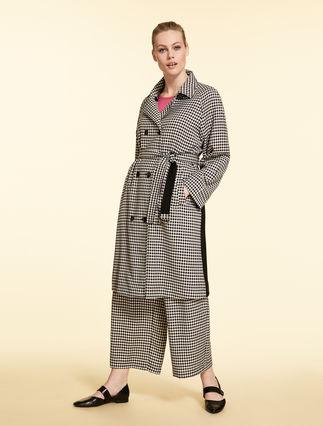 Coat in tech wool
