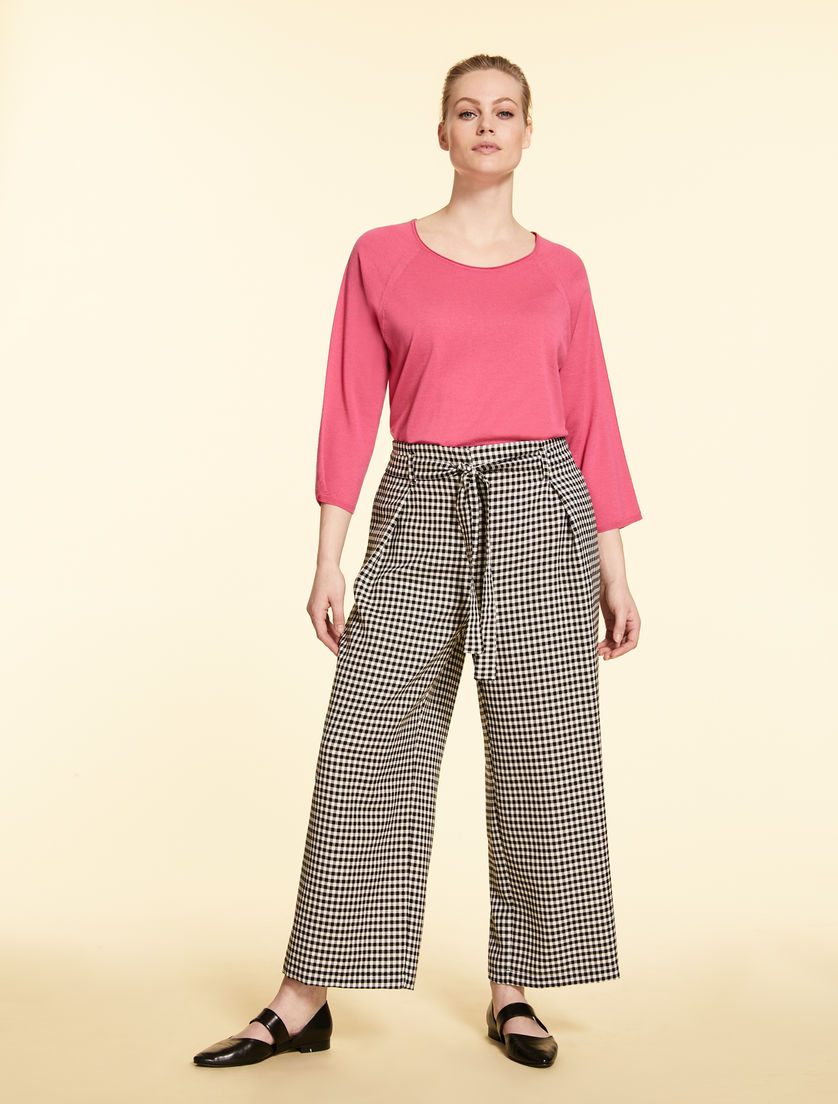 Trousers in tech wool