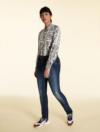 Wonder-fit denim jeans
