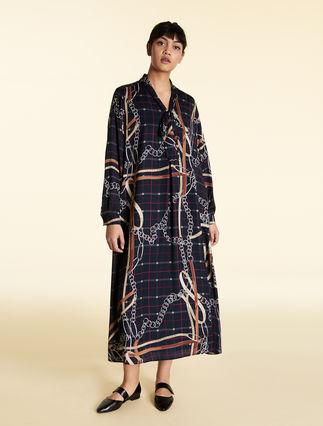 Robe longue en satin